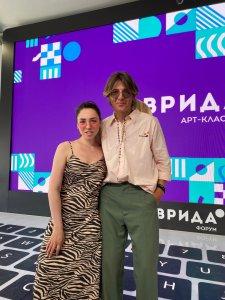 В Крыму проходит ежегодный творческий кластер, традиционно собирающий самую талантливую молодежь страны. Среди его участников и наша землячка Юния Самохвалова.
