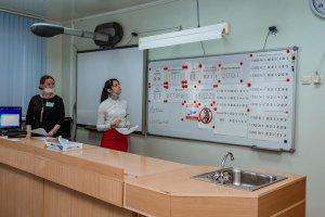 В рамках Всероссийской акции «Единый день сдачи ЕГЭ родителями» во второй школе 30 родителей  нефтеюганских школьников приняли участие в демонстрационном  ЕГЭ по истории.