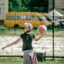 С клюшкой и мячом